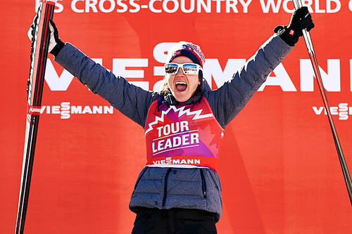 Heidi Weng ble nummer to på 7. etappe med 10 km fristil i Canmore og økte sin sammenlagtledelse i Ski Tour Canada 2016 før siste etappe. Foto: Felgenhauer/NordicFocus.