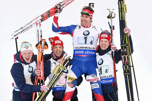 Johannes Thingnes Bø (f.v.), Ole Einar Bjørndalen, Emil Hegle Svendsen og Tarjei Bø tok gull i stafett under VM i Oslo 2016. Foto: Manzoni/NordicFocus.