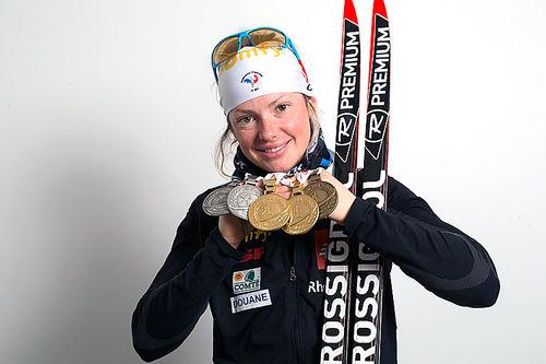 Marie Dorin Habert med sine 5 første medaljer fra Oslo-VM 2016. Foto: NordicFocus.