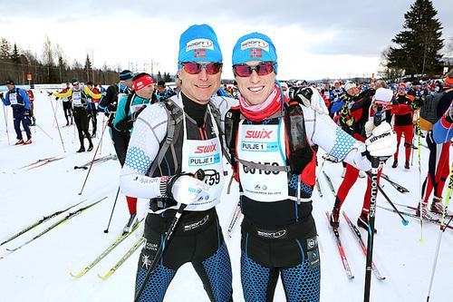 Åge Skinstad og Petter Soleng Skinstad foran FredagsBirken et tidligere år. Petter Soleng Skinstad vant da rennet, mens Åge Skinstad ble nummer 2 i sin klasse og nummer 5 totalt. Foto: Geir Olsen/Birken.
