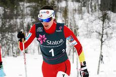Heidi Weng mot semifinaleseier for BUL, sammen med Martine Ek Hagen, på lagsprinten under NM på Beitostølen 2016. Foto: Erik Borg.