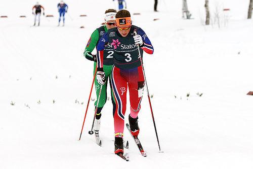 Lotta Udnes Weng gikk sammen med søster Tiril Udnes Weng inn til bronse for Nes Ski i lagsprinten under NM på Beitostølen 2016. Foto: Erik Borg.