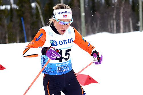 Therese Johaug på vei mot gull på 3-mila under NM på Beitostølen 2016. Foto: Erik Borg.