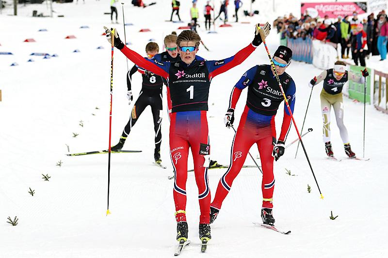 Johannes Høsflot Klæbo går inn til seier i Norgescup-finalen på Beitostølen 2016. Foto: Erik Borg.