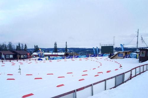 Arenaen til Bendit Liatoppen Skiskytterfestival 2016 er i ferd med å ta form. Arrangørfoto.