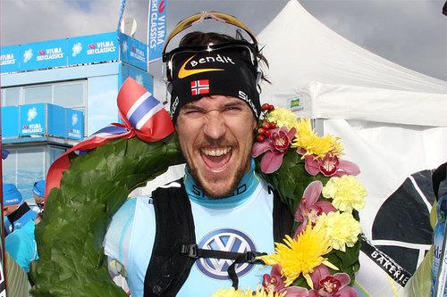 John Kristian Dahl jubler etter å ha vunnet Birkebeinerrennet 2016. Foto: Geir Nilsen/Langrenn.com.