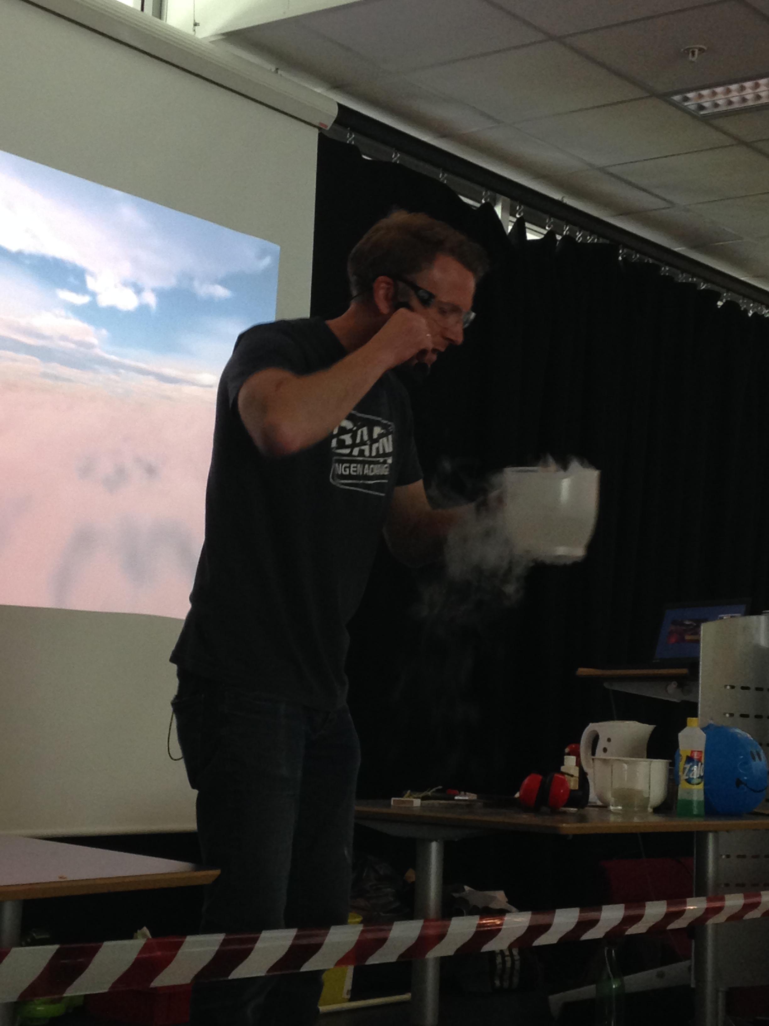 Flytende nitrogen.JPG