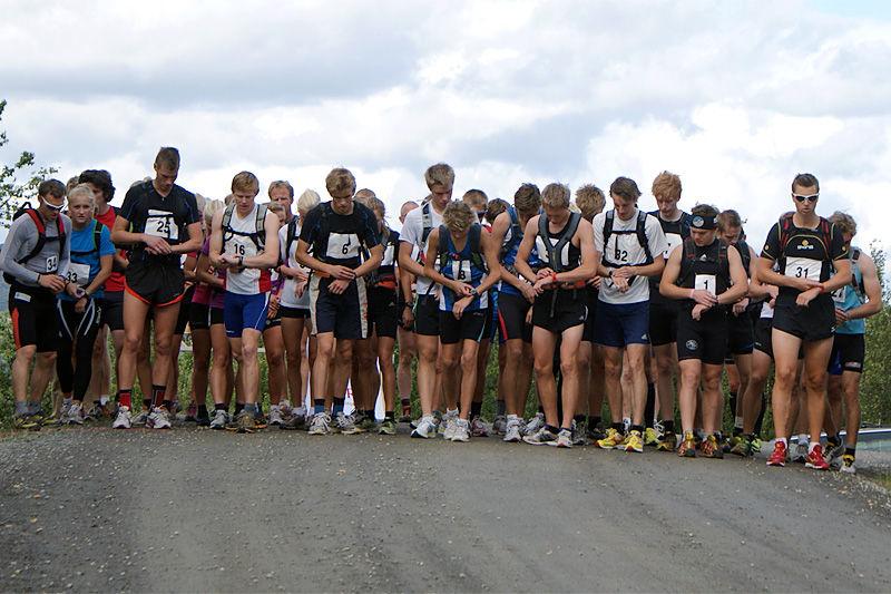 Klare for start i motbakkeløpet under en tidligere utgave av Tour de Synnfjell. Arrangørfoto.