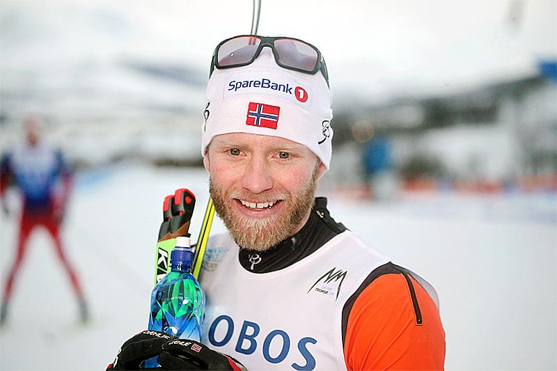 Martin Johnsrud Sundby etter sin seier på 15 km klassisk under NM i Tromsø 2016. Foto: Erik Borg.