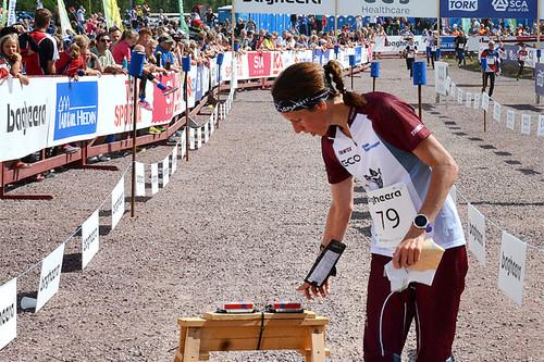 Anne Margrethe Hausken Nordberg har akkurat kvittert på målposten og sikret seg 2. plass under åpningsetappen av O-Ringen 2016 i svenske Sälen. Foto: Thomas Westfeldt/O-Ringen.