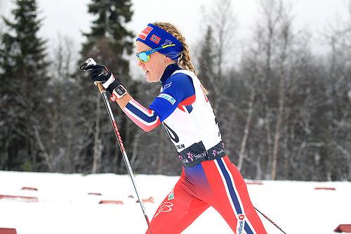 Berit Mogstad ute på 10 kilometer klassisk under Beitosprinten. Foto: Erik Borg.