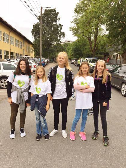 Fem jenter fra Smestad