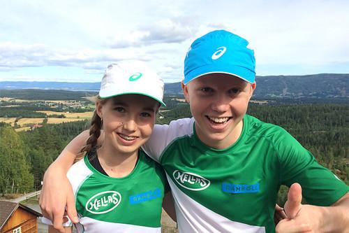 Søskenparet Emma (13 år) og Martin (15) Kirkeberg Mørk satte farge på Landfallhytta Opp. Foto: Privat.