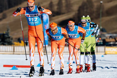 Team Synnfjell kjører på under Visma Ski Classics-prologen i Livigno på tampen av 2015. Foto: Magnus Östh/Visma Ski Classics.