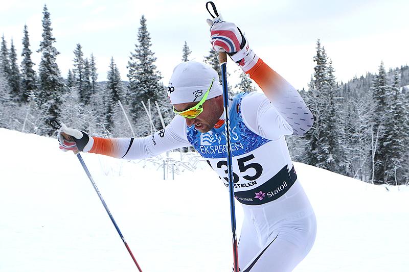 Petter Northug ute på 15 kilometer fri teknikk under Beitosprinten 2016. Det endte med 15. plass. Foto: Erik Borg.