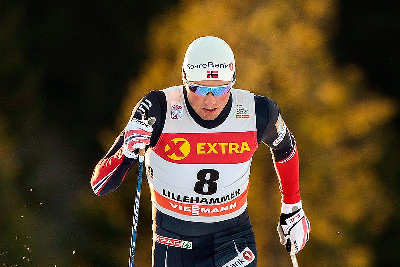 Emil Iversen underveis i sprintprologen under verdenscupens minitour på Lillehammer 2016. Der gikk han inn til 13. beste tid. Til slutt endte det med 2. plass i finalen senere på dagen. Foto: Modica/NordicFocus.