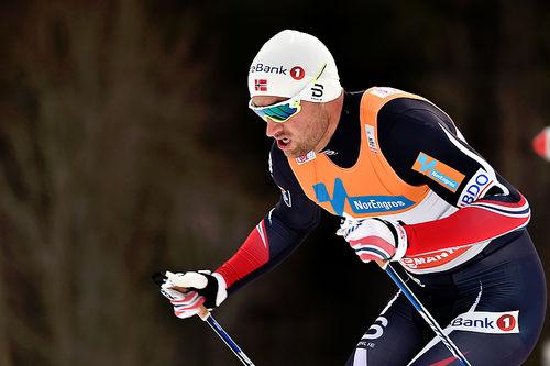 Petter Northug ute på 10 kilometer fri teknikk under verdenscupens minitour på Lillehammer 2016. Det endte med 51. plass. Foto: Thibaut/NordicFocus.