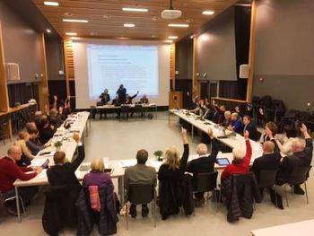 Kommunestyrets avstemming for kommunereformen 08.12.16, web