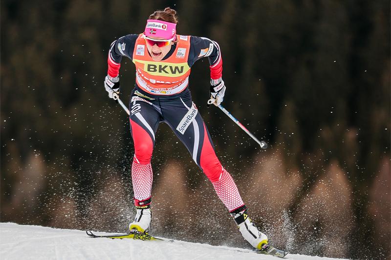 Maiken Caspersen Falla på vei mot seier i Davos-sprinten 2016. Foto: Modica/NordicFocus.