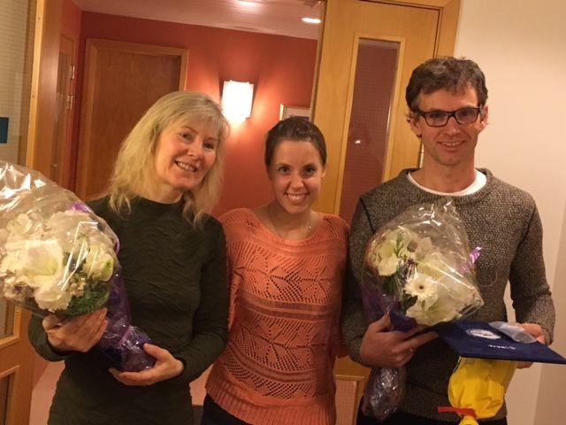 Diplom fra Norges Livredningsselskap utdelt Anny Annie Aronsen og Geir Johansen - her med Marthe Herstad