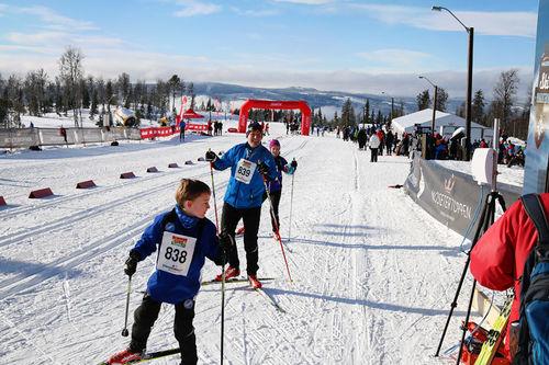 Hafjell Ski Marathon har klasser for store og små, elite og mosjonist og ikke minst et bugnende premiebord. Arrangørfoto.