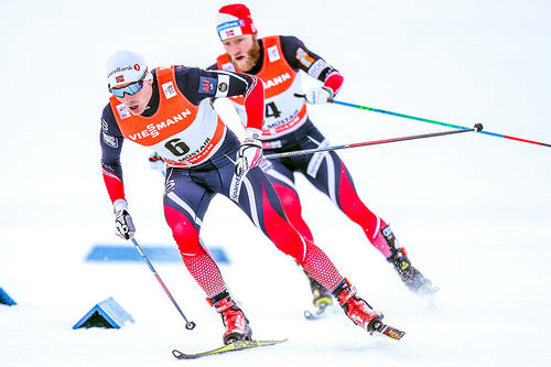 Finn Hågen Krogh fører an foran Martin Johnsrud Sundby under sprinten som utgjorde første av Tour de Ski 2016-2017 i Val Müstair. Til slutt ble de henholdsvis nummer 3 og 4. Foto: Modica/NordicFocus.