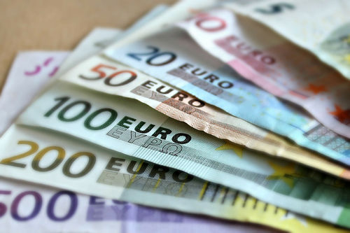 Er pengejaget i toppidretten så stort at tiden er inne for at den skiller lag med grasrotas barne- og breddeidrett? Illustrasjonsfoto: Creative Commons/Pixabay.com.