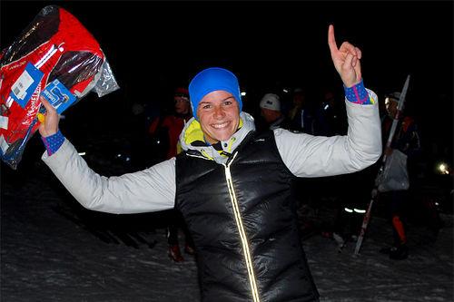 Ingeborg Dahl jubler etter å ha vunnet Montebellonatta 2017. Arrangørfoto.