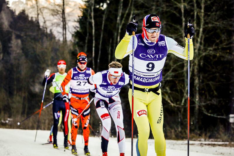 Johan Kjølstad i Marcialonga 2017, i mål ble det til slutt en 2. plass. Foto: Bragotto/NordicFocus.