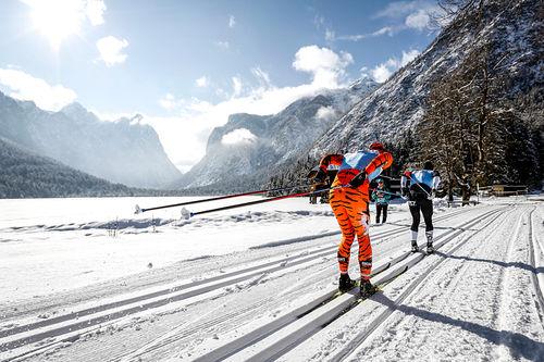 Fra det innbydende langløpet Cortina - Toblach i Nord-Italia, et renn som inngår i langløpscupen Visma Ski Classics. Foto: Bragotto/NordicFocus.