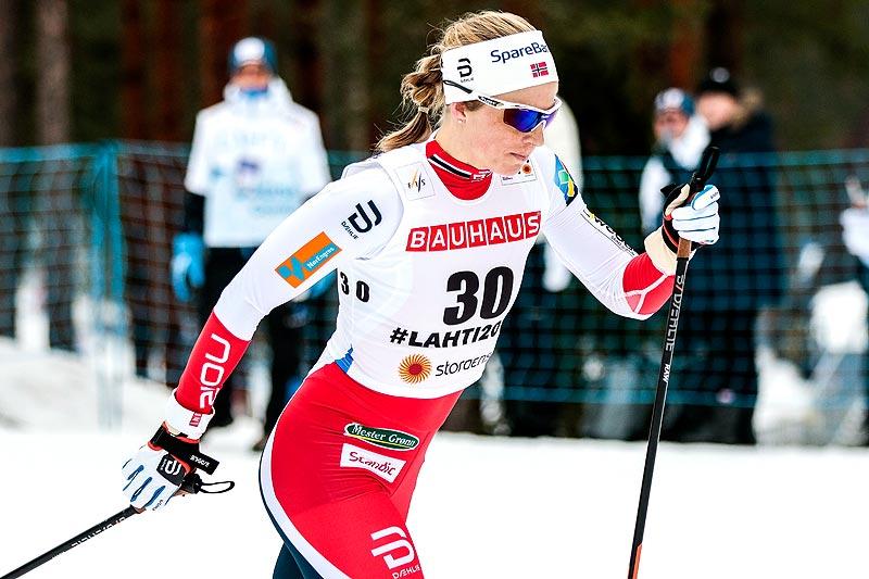Astrid Uhrenholdt Jacobsen er første norske løper ut fra startblokka under minitouren i finske Ruka fredag formiddag. Foto: Thibaut/NordicFocus.