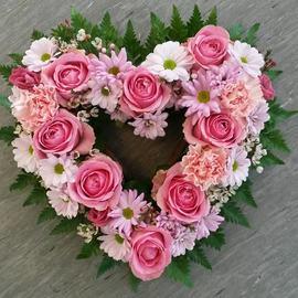 Lite åpent hjerte roser og nellik