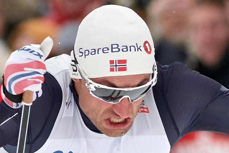 Petter Northug sparte ikke på konfekten under kvartfinalen av verdenscupsprinten i Drammen 2017. Ga alt, vant heatet, men nådde ikke opp da det gjaldt som mest, i finalen ble det 4. plass. Foto: Rauschendorfer/NordicFocus.