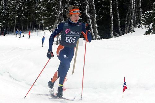 Ansgar Evensen på vei mot gull på 10 kilometer klassisk for Menn 17 år under Junior-NM i Harstad 2017. Foto: Erik Borg.