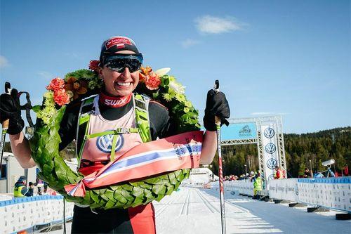Justyna Kowalczyk etter sin Birken-seier 2017. Foto: Magnus Östh/Visma Ski Classics.