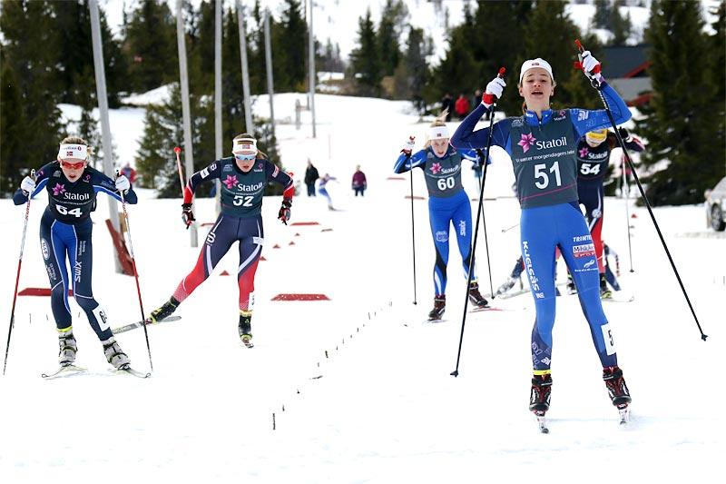 Karianne Olsvik Dengerud jubler over å ha avgjort den avsluttende norgescupfinalens klasse for 17-åringer på Gålå 2017 til sin fordel. Foto: Erik Borg.