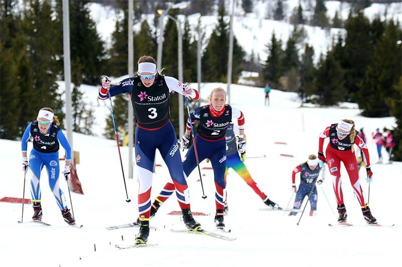 Emma Skjoldli spurter inn til seier blant 18-åringene i norgescupfinalen på Gålå 2017. Foto: Erik Borg.