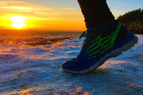 Det kan lønne seg å ta løpeskoene i bruk også gjennom vinteren. Foto: Creative Commons/Pixabay.com.