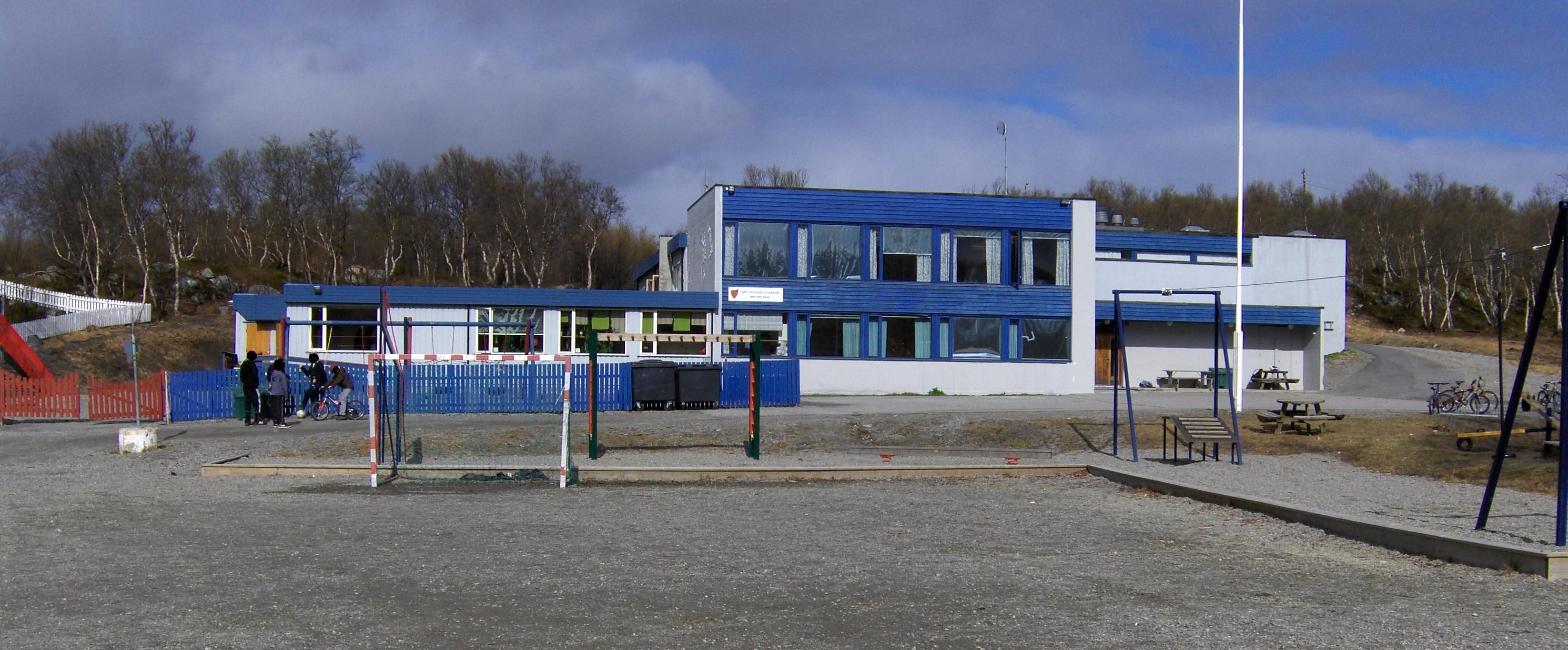 Bøkfjord skole.jpg