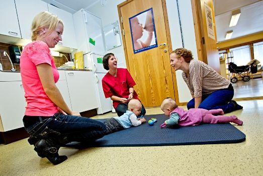 Helsestasjon, helsesøster, barn og mødreFoto: Karoline O.A. Pettersen