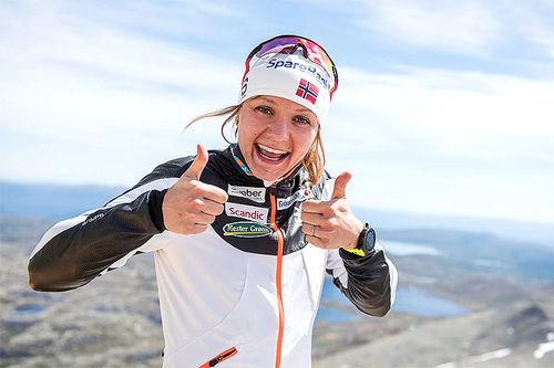 Maiken Caspersen Falla på Gaustatoppen etter Viking Challenge 2017, der hun endte på fjerdeplass. Foto: Vegard Breie Photography.