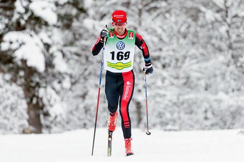 Johan Olsson i aksjon under den svenske sesongåpningen i Bruksvallarna. Foto: Jocke Lagercrantz.