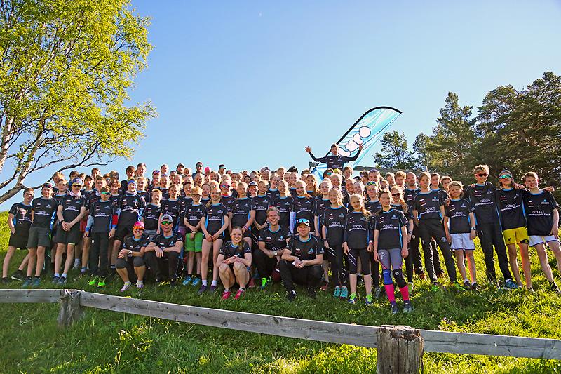 Fornøyde deltakere på Eiluro Sommerskiskole 2017. Foto: Eirik Lund Røer.