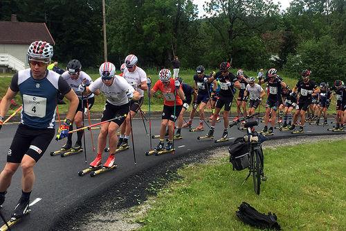 Deltakere i aksjon under Kanalrennet en tidligere sommer. Foto: Sigmund Hov Moen.