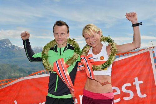 May Britt Buer og Johan Bugge seiret under Kvasshovden Opp 2017 hvor NM i Motbakkeløpet var innlagt. Foto: Kvasshovden Opp.