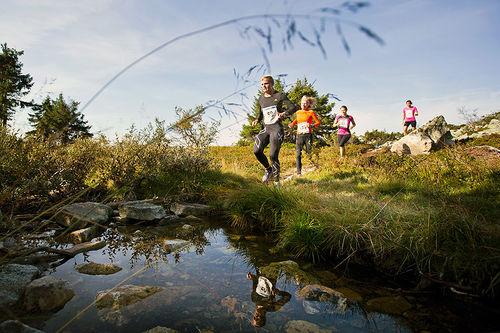 Deltakere i aksjon på terrengløpet i Trysilrypa. Foto: Øyvind Lund.