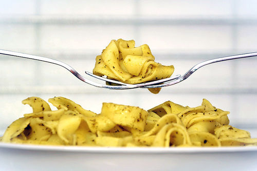 Karbohydrat er kroppens viktigste energikilde. Pasta er en av mange gode kilder. Foto: Creative Commons/Pixabay.com.