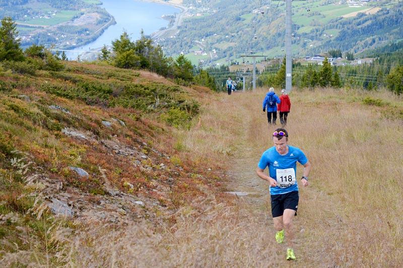 Johan Bugge på vei mot seier i Hafjell Opp 2017. Foto: Stein B. Olsen.