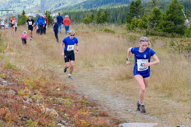 Hanne Mjøen Maridal på vei mot seier i Hafjell Opp 2017. Foto: Stein B. Olsen.