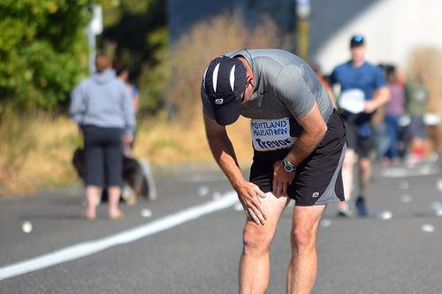 Halvparten av løpere er skadet minst en gang i året, og belastningsskader er de aller vanligste. Foto: nprpdx/Flickr.com.